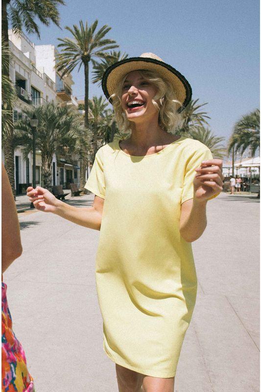 Kleid mit kurzem Arm in Gelb