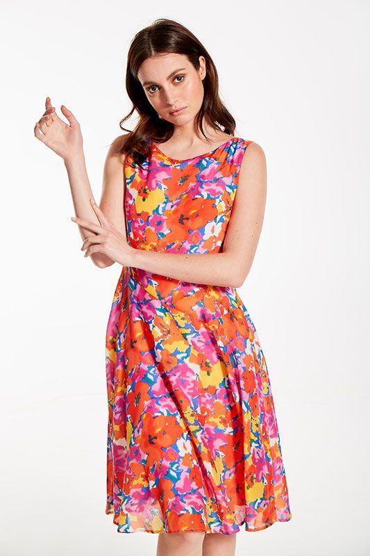 Sommerkleid mit leuchtendem Blumenmuster