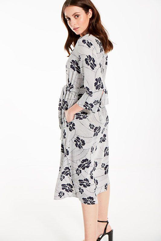 Blusenkleid mit Arm und Blumenmuster