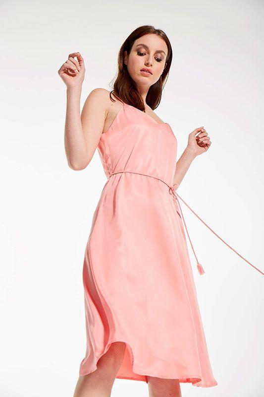 Sommerliches Kleid aus Viskose mit Spaghettiträgern