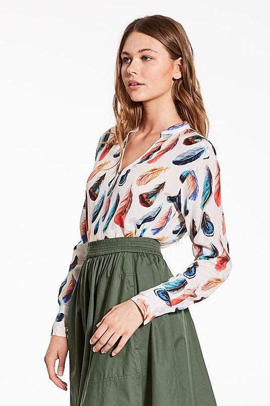 Bluse mit Feder Muster
