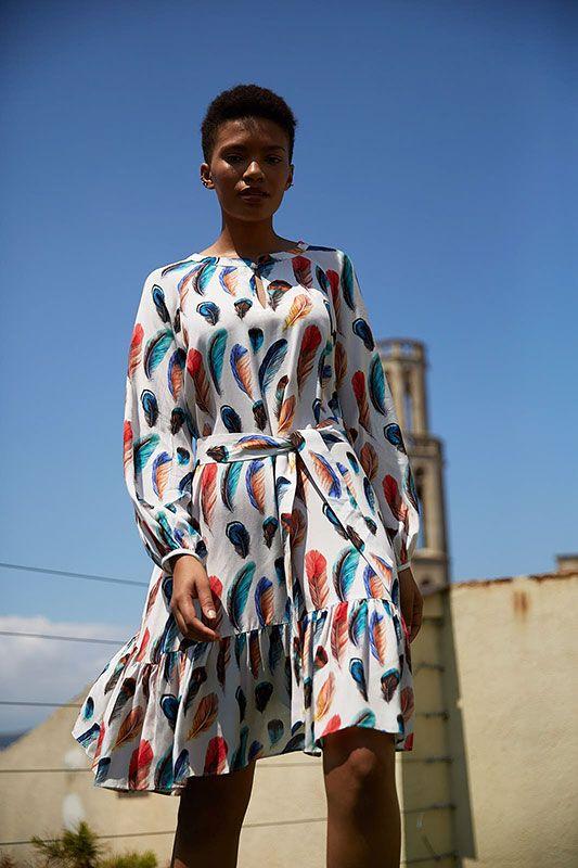 Kleid in Feder Muster mit Volant-Saum