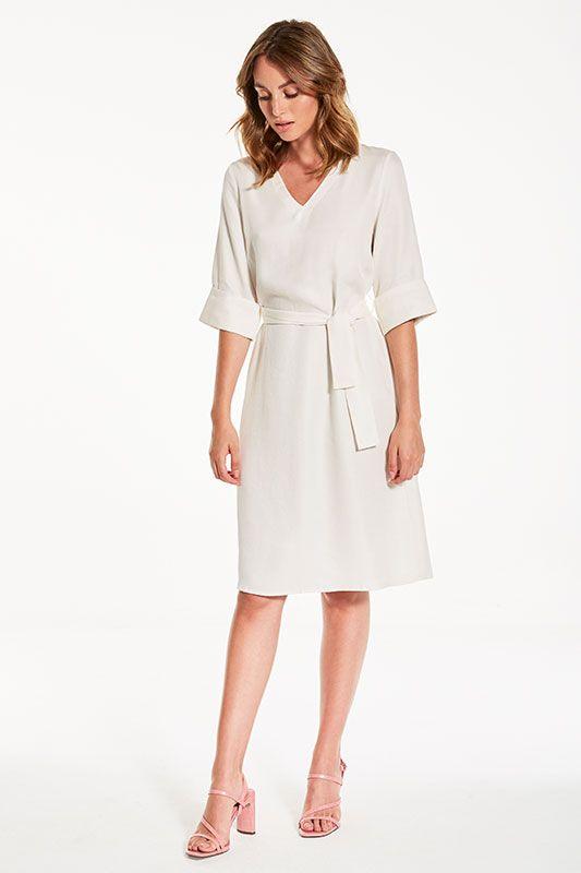 Kleid V-Ausschnitt mit breitem Armaufschlag in Weiss