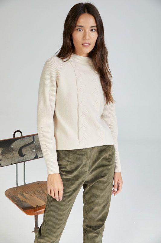 Pullover mit Zopfmuster in Cream / Beige