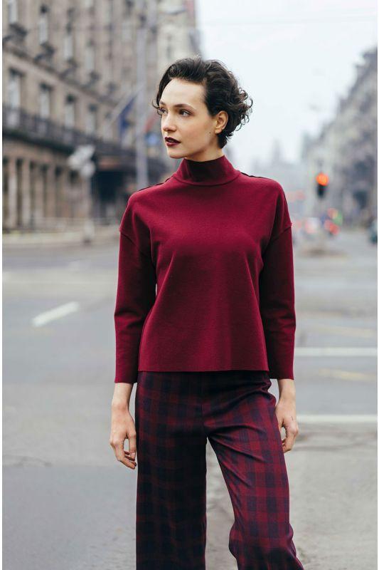 Modischer Pullover mit Rollkragen